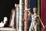 Išteisinto omonininko advokatė pareiškė nušalinimą teisėjui
