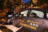 Vilniuje pavėžėja sukėlė didelę avariją: sudaužyti trys automobiliai