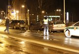 Vilniuje girtas vairuotojas suniokojo tris stovinčius automobilius