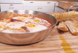 Šeštadienio pusryčiams – nepaprasto skonio kiaušinienė ir kvapnus obuolių pyragas