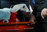 """""""Manchester United"""" prarado ne tik taškus, bet ir ant neštuvų išnešto puolėjo"""