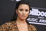 Skandalingos praeities Lovato laužo standartus: parodė netobulą figūrą