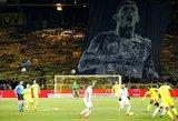 Pravirkdė tūkstančius: pilnutėlis stadionas jautriai atsisveikina su dingusiu futbolininku