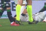 Užkariauja internetą: galingas Ronaldo smūgis nokautuoja komandos draugą