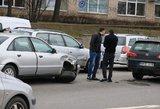 Ozo gatvėje spūstys dėl masinės avarijos