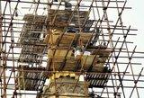 Indijos budistai medituos prabangiau: 300 kilogramų aukso padengs šventyklos stogą