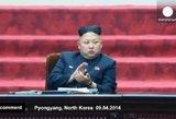 """Šiaurės Korėjos parlamentas: """"didžiojo vado"""" nuobodulys ir tragikomiškas garbinimas"""