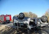 Siaubinga avarija Prienuose: žmogus liko įkalintas automobilyje
