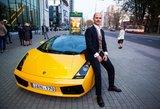 """Nustebino ne vieną: į filmo premjerą Bružas atvyko su prabangiu """"Lamborghini"""""""