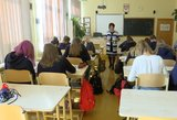 Algalapius išvydę mokytojai siunta: gimnazijos gavo dvigubą smūgį