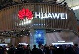 """Smūgis """"Huawei"""": nugarą atsuko ir """"Facebook"""""""