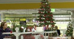 Kalėdų karštinė spalį: ir lietuviai jau perka egles, ruošia dovanas
