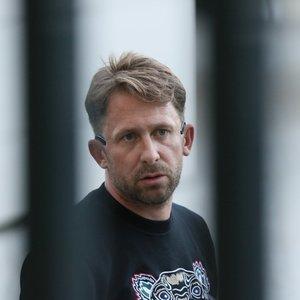 Dragūnas pasirodė teisme: byloje pastebėta daug neaiškumų