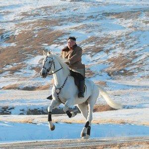 Kimas užšoko ant balto žirgo: turi svarbią naujieną, kuri nustebins pasaulį