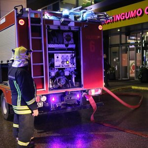 Vilniuje iš sporto klubo evakuojami žmonės, pranešta apie galimą sprogimą