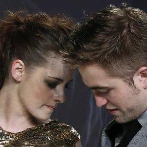 """""""Saulėlydžio"""" žvaigždė atskleidė, kas iš tiesų įvyko tarp jos ir Robo: laikė tai paslaptyje"""