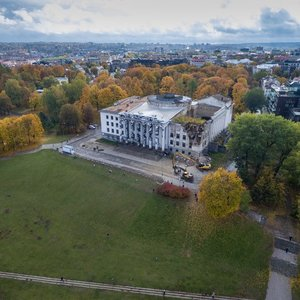 Vilniuje griaunami Profsąjungų rūmai – vairuotojai įspėjami apie eismo ribojimus