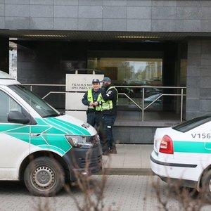 Neramus rytas Vilniaus miesto apylinkės teisme: pranešta apie sprogmenį, evakuojami žmonės