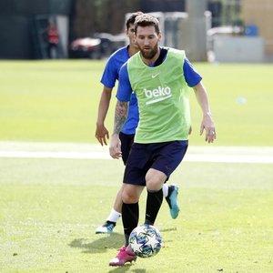 """Geros žinios: Messi dalyvavo """"Barcelona"""" ekipos treniruotėje"""