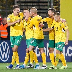 Lietuvos futbolo rinktinė pelnė įvartį, bet krito prieš Serbiją