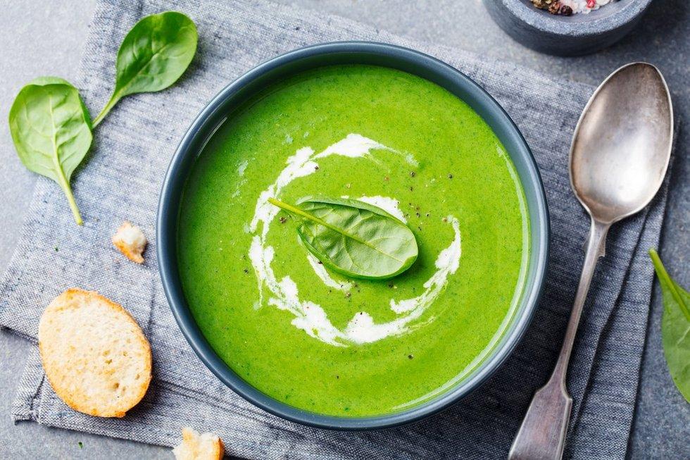 Trinta špinatų sriuba. Shutterstock nuotr.