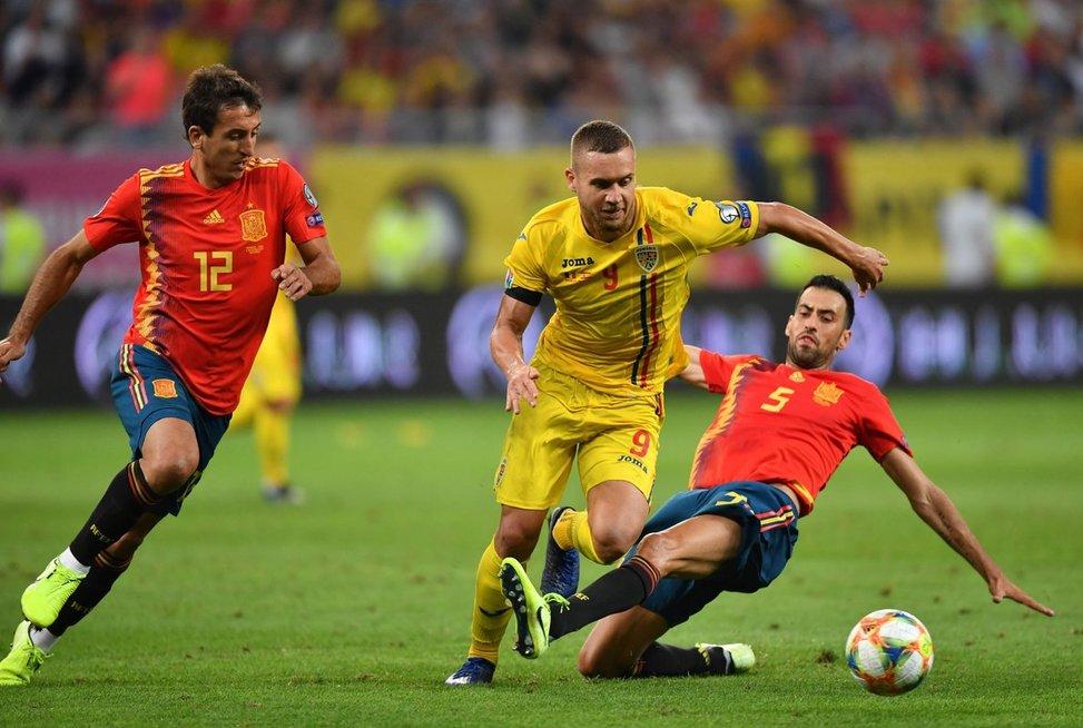 Rungtynių akimirka: Ispanija-Rumunija (nuotr. SCANPIX)