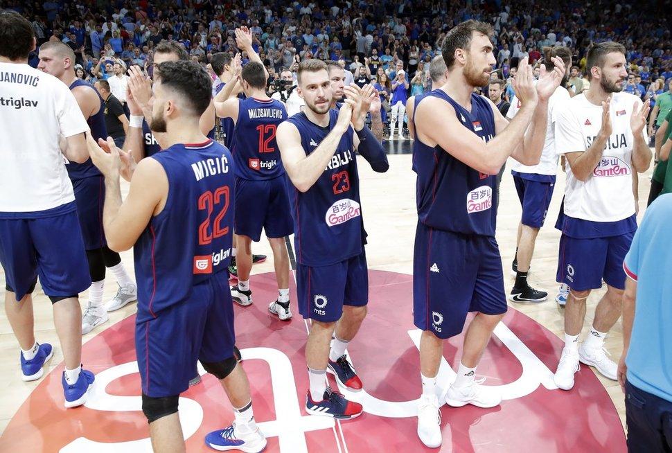 Serbai švenčia dar vieną pergalę (nuotr. SCANPIX)