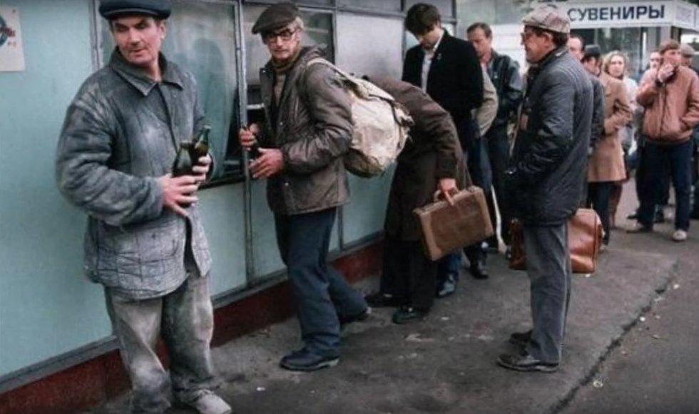 """Alkoholis Sovietų Sąjungoje (nuotr. """"Youtube')"""