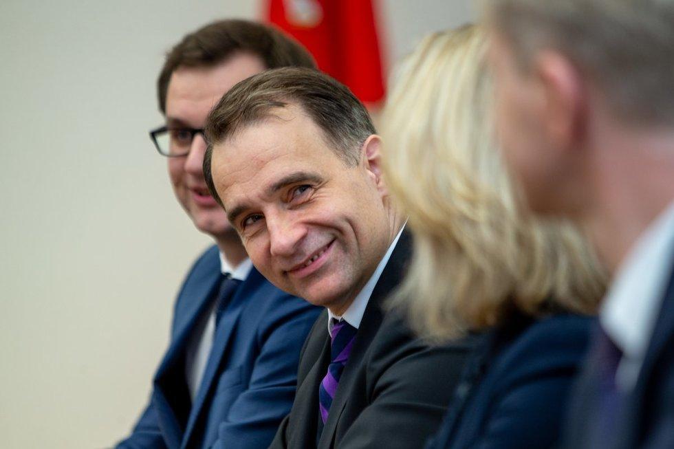 Susisiekimo ministras Rokas Masiulis pabrėžia, kad didžiausią nepasitenkinimą kelia kai kurių degalinių savininkai. (nuotr. Fotodiena/Justino Auškelio)