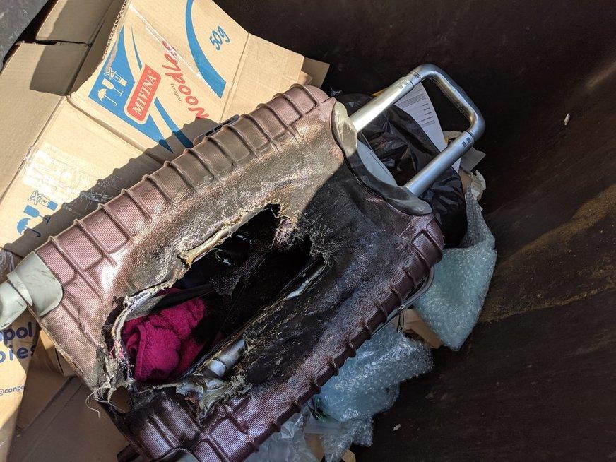 Sudegęs lagaminas (nuotr. Broniaus Jablonsko)