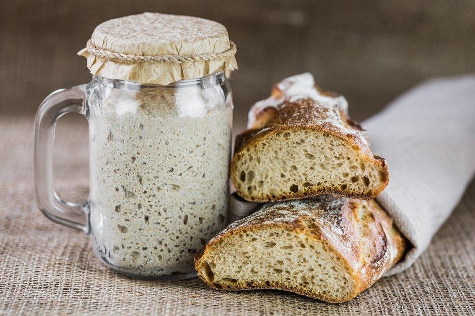Natūralaus raugo duona, geriau žinoma kaip sourdough. Shutterstock nuotr.