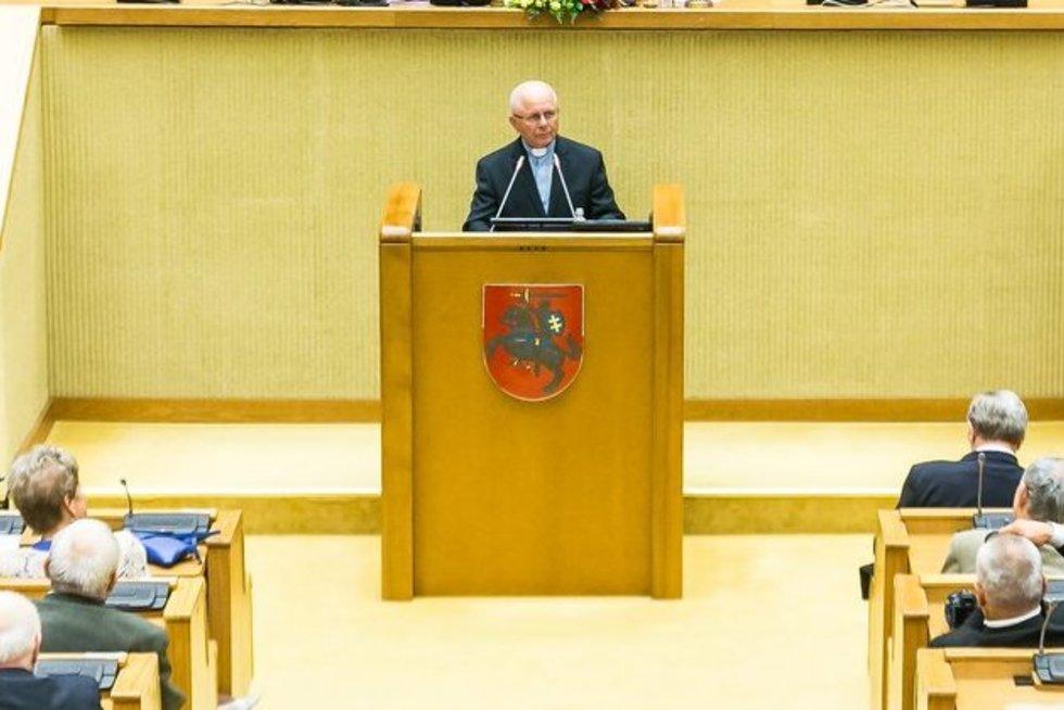 Sigitas Tamkevičius. Seimo kanceliarijos (aut. O. Posaškova) nuotrauka