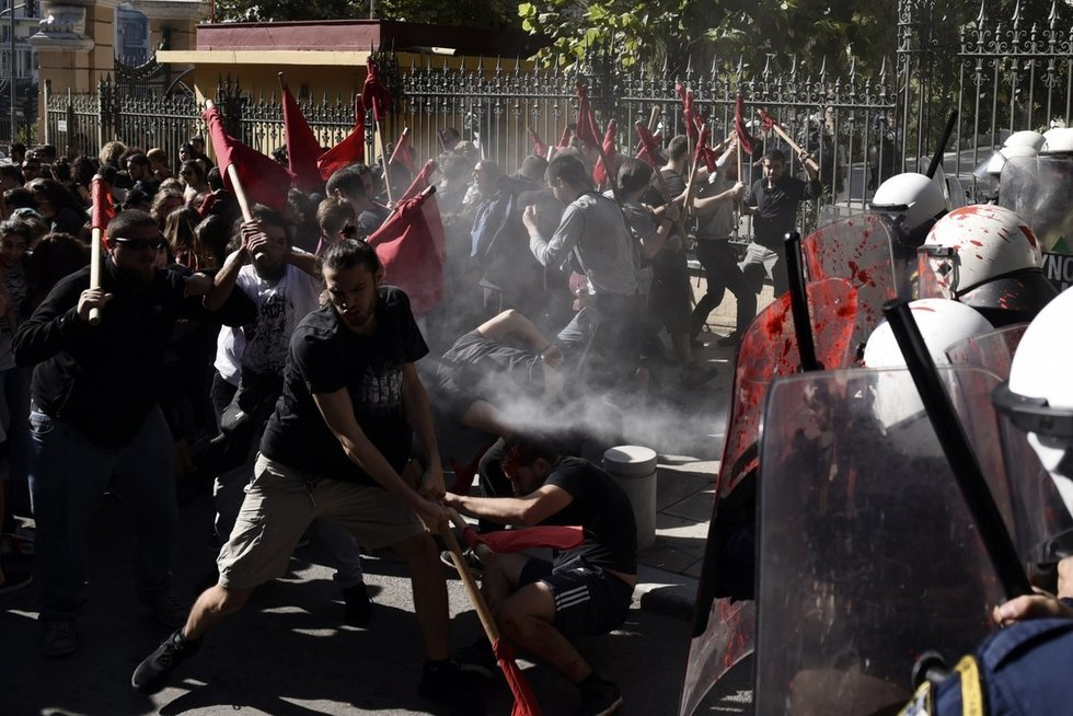Graikijoje protestuoja studentai (nuotr. SCANPIX)