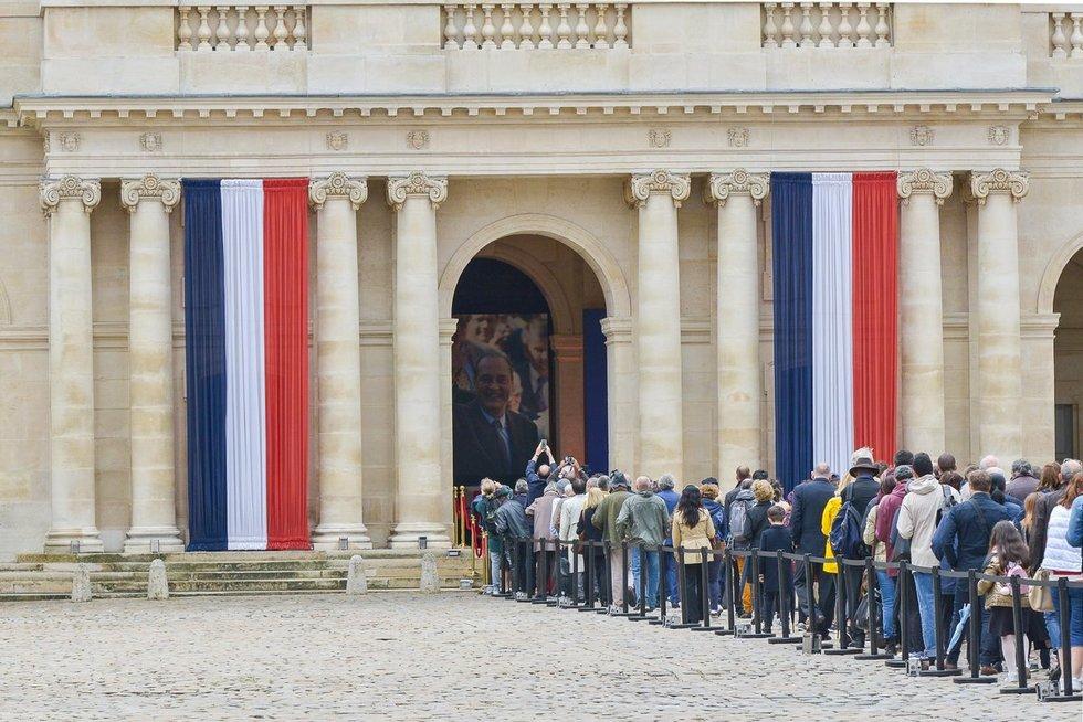 Prancūzija atsisveikina su su buvusiu prezidentu J. Chiracu (nuotr. SCANPIX)