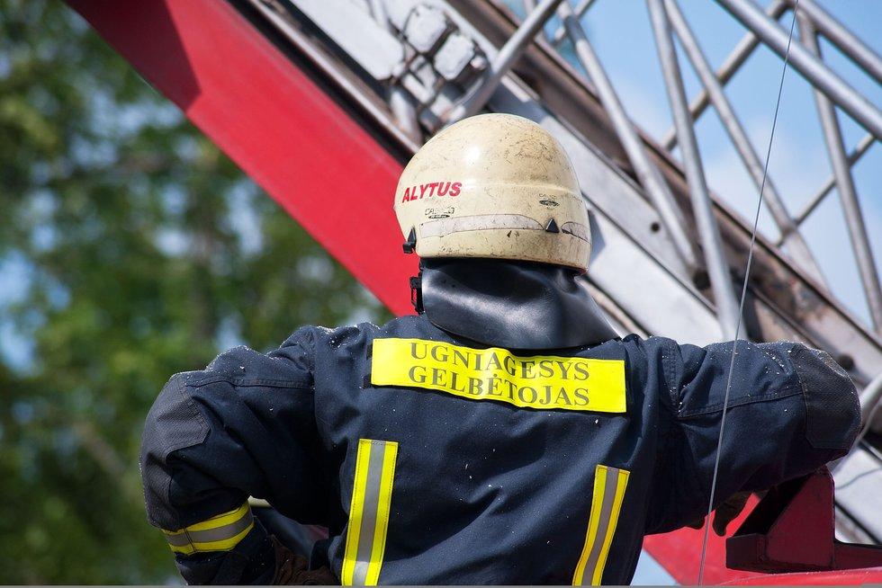Šiaulių ugniagesiai žada visi kartu išeiti nemokamų atostogų (Fotodiena.lt/A. Bagdono nuotr.) (nuotr. Balsas.lt)