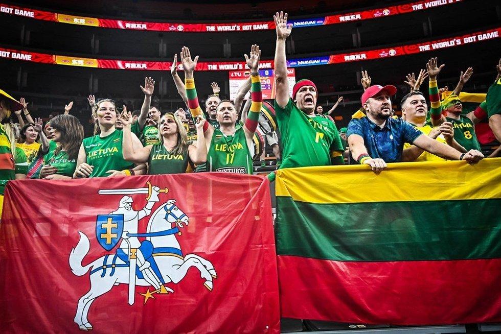 Lietuvos krepšinio sirgaliai (nuotr. FIBA)