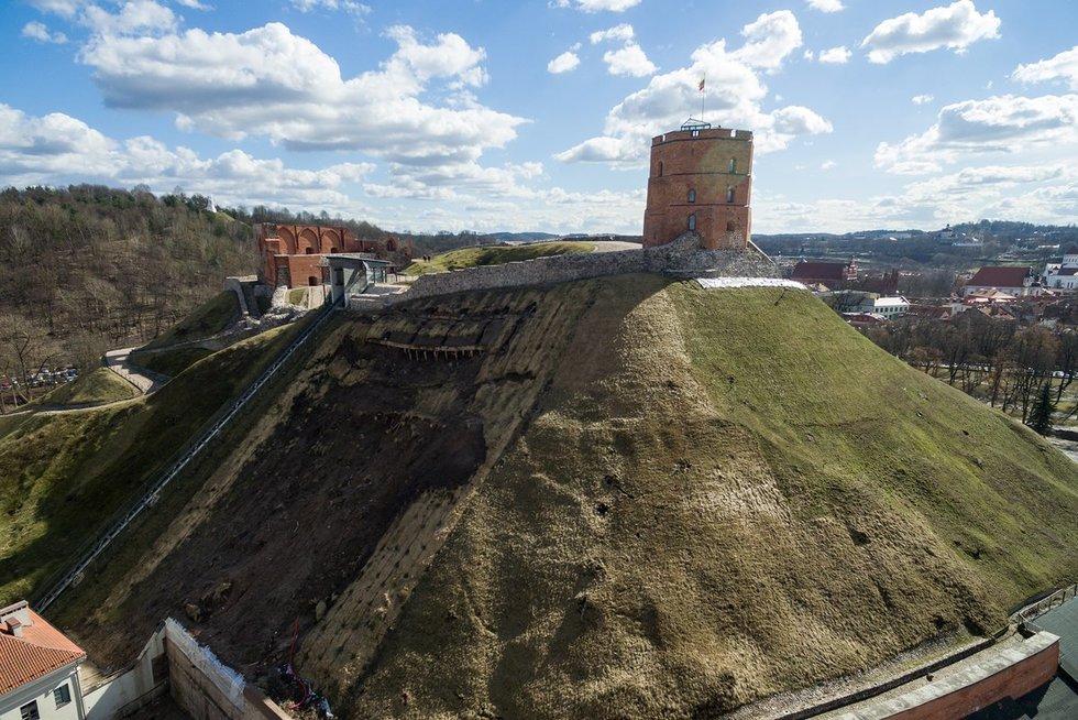 Gedimino pilies bokštas neturėtų nugriūti, ramina specialistai nuotr. Broniaus Jablonsko