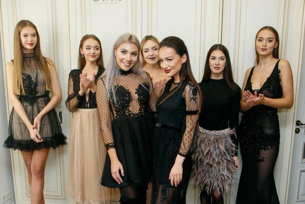Paula Poderytė žinomas moteris pakvietė į prabangių suknelių pristatymą (nuotr. Tv3.lt/Ruslano Kondratjevo)