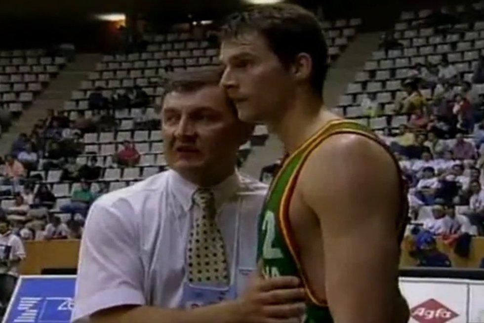 Jonas Kazlauskas ir Artūras Karnišovas (nuotr. YouTube)