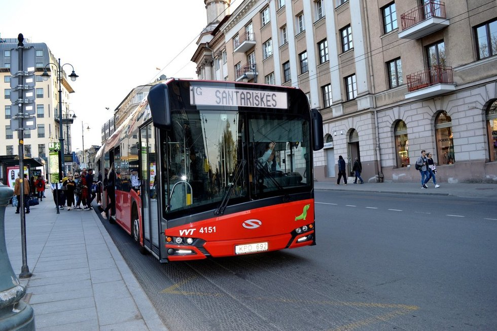 """Vilniaus viešasis transportas (nuotr. """"Susisiekimo paslaugos"""")"""