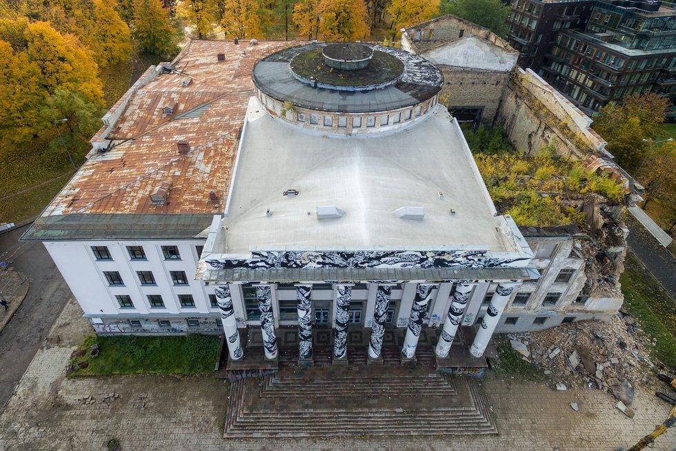 Vilniuje griaunami Profsąjungų rūmai (nuotr. TV3)