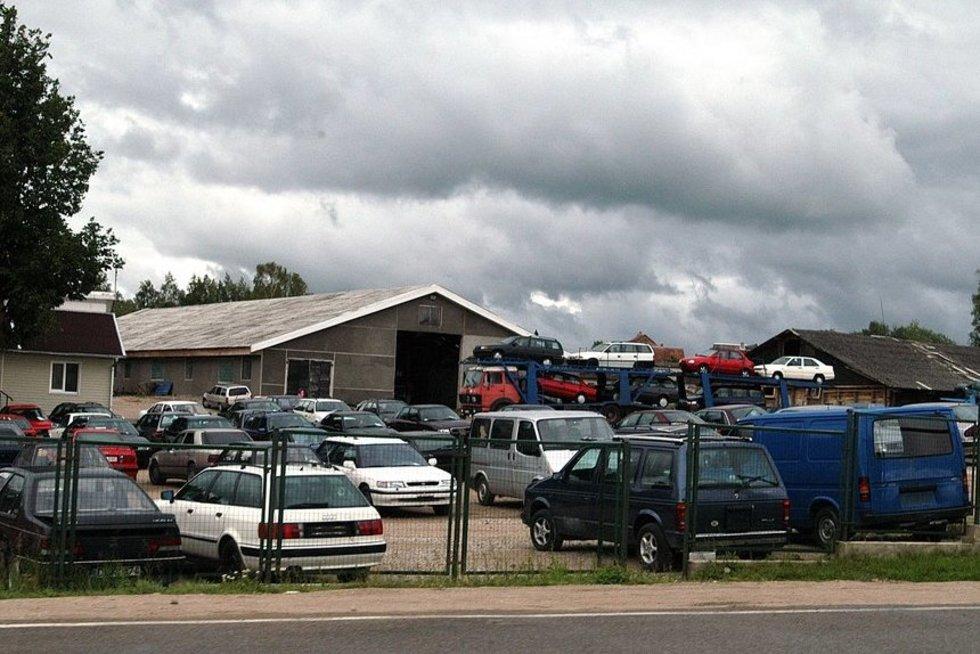 Automobilių turgus  (nuotr. Fotodiena.lt)