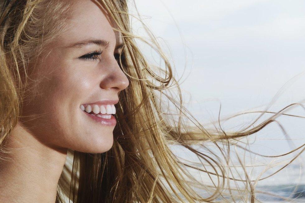 Plaukų priežiūra vasaros metu (nuotr. SCANPIX)