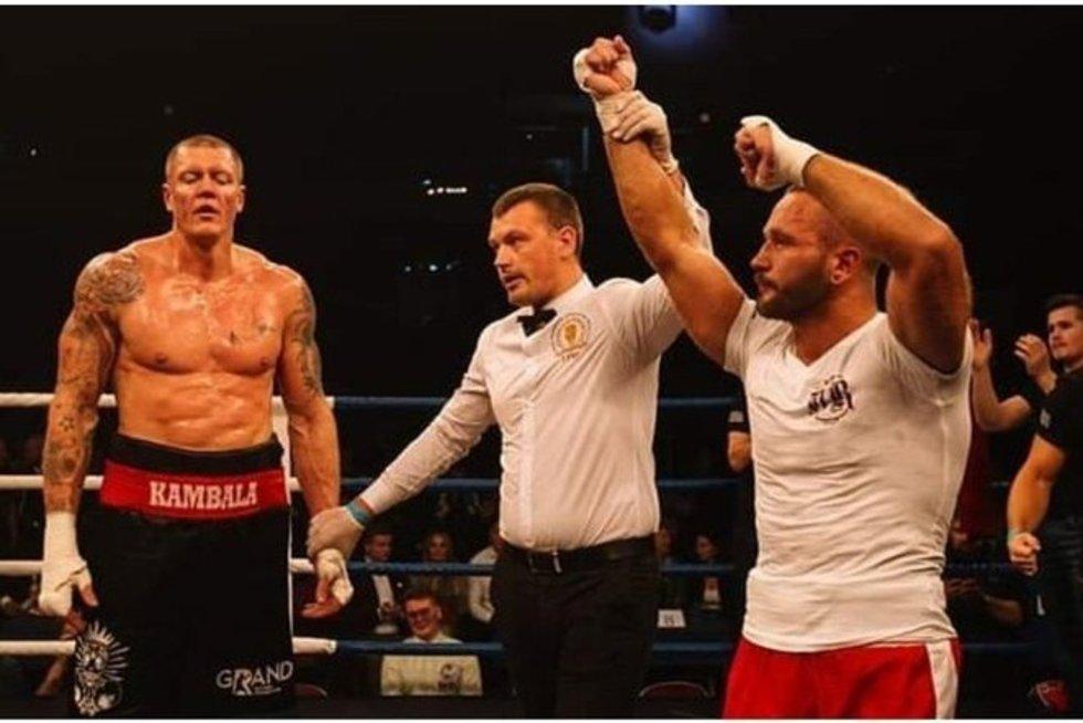 K. Kambala pralaimėjo bokso kovą (nuotr. stop kadras)
