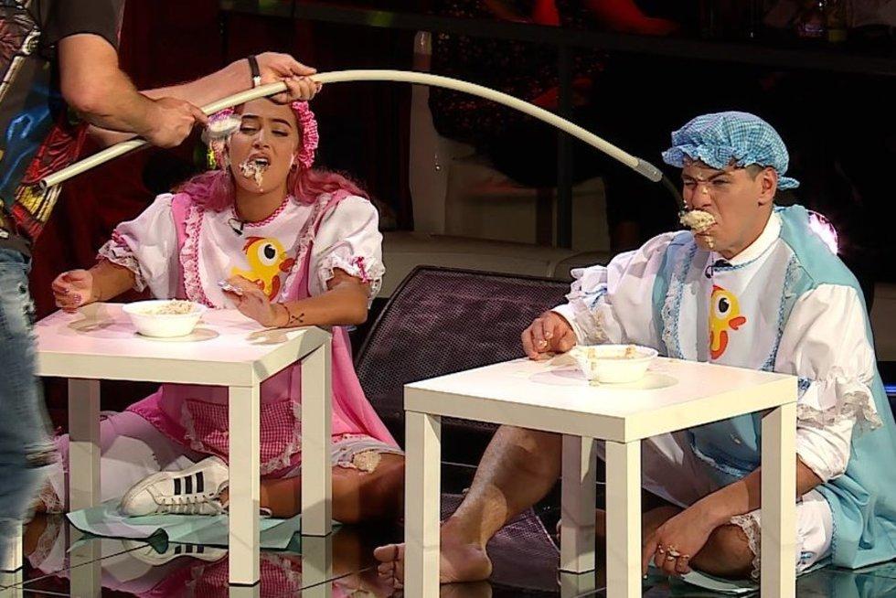 Laidos filmavimo metu Justinui Jankevičiui ir Karolinai Meschino teko valgyti košę (nuotr. Organizatorių)