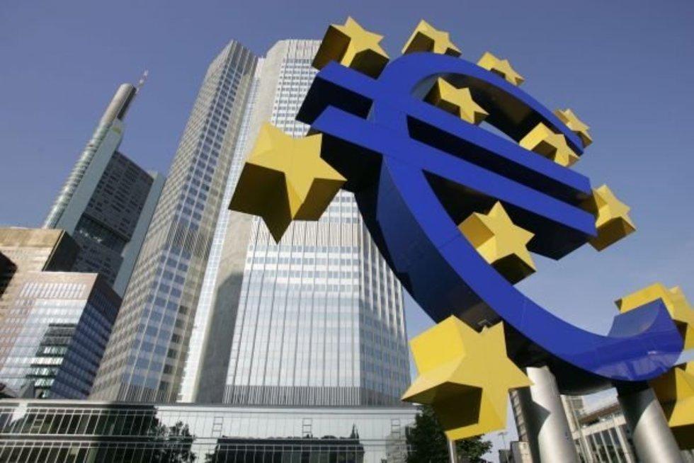 ECB vyriausybių obligacijas turės pirkti dar ilgą laikotarpį. AFP/Scanpix nuotr. (nuotr. Balsas.lt)