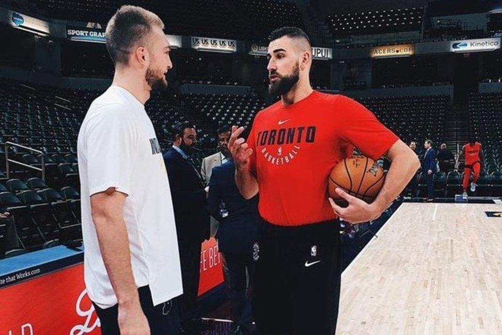 Domantas Sabonis ir Jonas Valančiūnas (nuotr. Twitter)