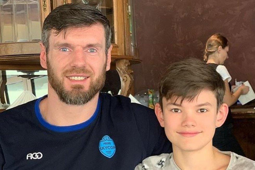 K. Lavrinovičius su sūnumi (nuotr. Instagram)