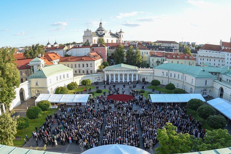 Prezidentas dalyvauja iškilmingame priėmime (nuotr. Robertas Dačkus)