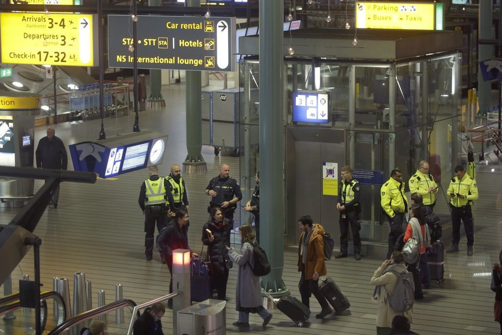 Amsterdamo Schipholio oro uostas (nuotr. SCANPIX)